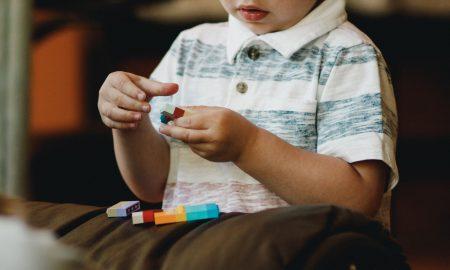 Το παιδί μου δεν μιλάει καθαρά: πότε πρέπει να συμβουλευτώ έναν ειδικό;