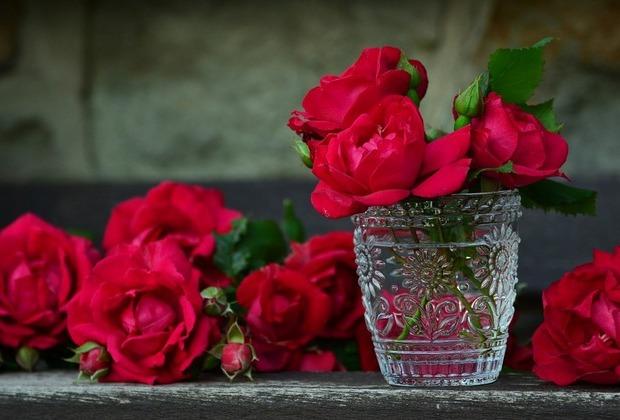 Η δασκάλα και τα λουλούδια, από τη Μαρία Σκαμπαρδώνη