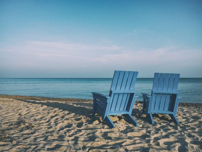 Βόλτα στη θάλασσα: Τα οφέλη της στην λειτουργία του οργανισμού μας