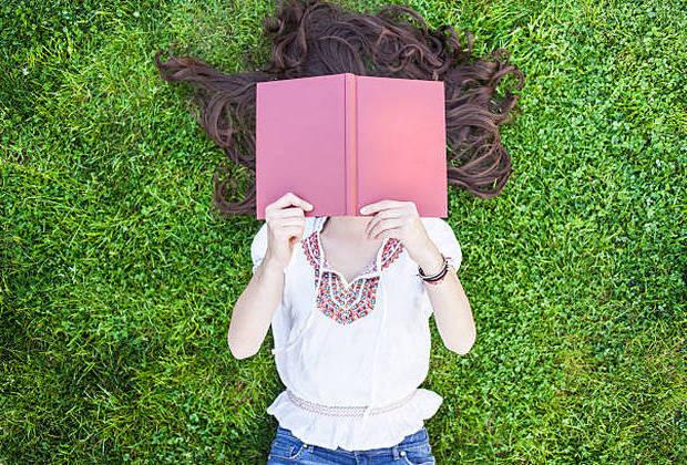 Δεν υπάρχει χρόνος για διάβασμα... από τη Μαρία Σκαμπαρδώνη
